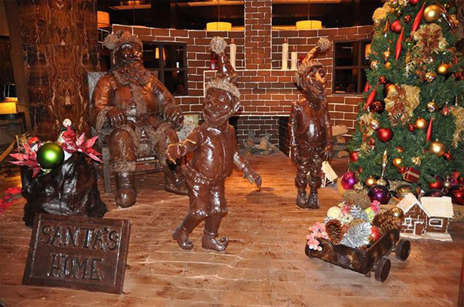 Life-size Chocolate Santa on display at Houston Hotel
