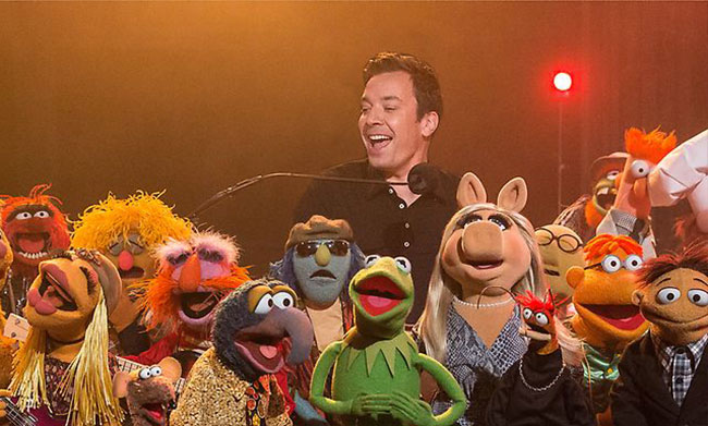 Late Night with Jimmy Fallon last show (Muppets band)