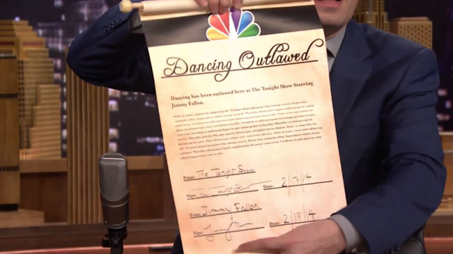 Kevin Bacon rebels when Jimmy Fallon bans dancing on Tonight Show (official scroll)