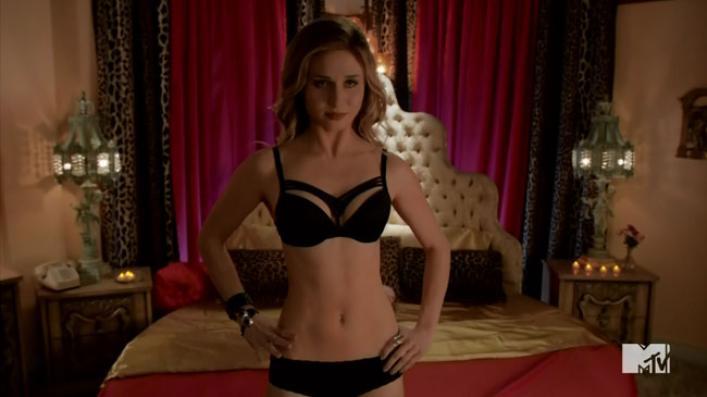 Lesbians Faking It in threesome (Rita Volk)
