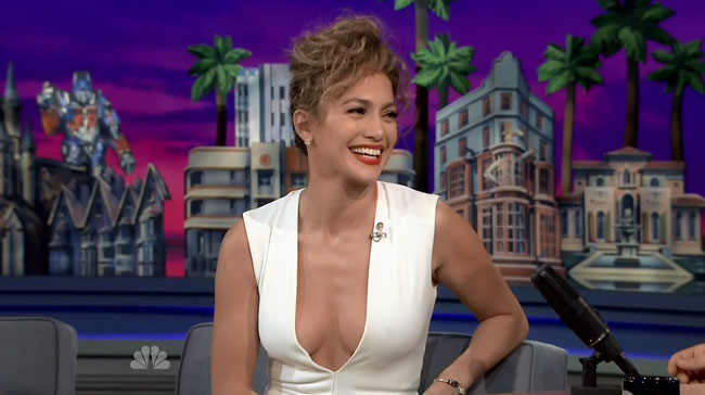 Jennifer Lopez dances in tight dress on Tonight Show