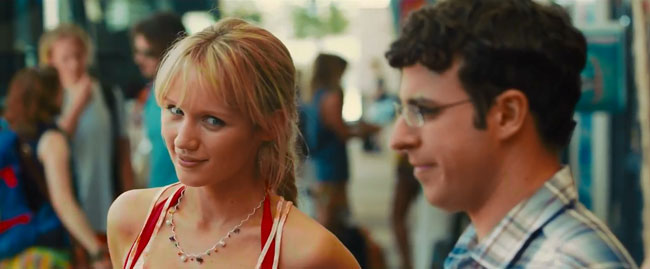 The Inbetweeners 2 trailer Sex Drugs and Rock N Roll - Will (Simon Bird) and Katie (Emily Berrington)