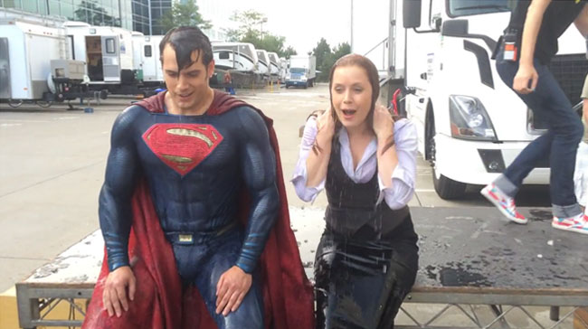 Superman and Lois Lane (Henry Cavill Amy Adams) take ALS Ice Bucket Challenge
