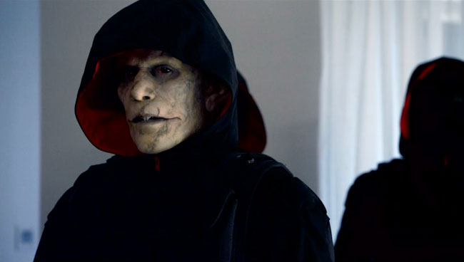 "The Strain introduces Quinlan the Vampire Vampire Hunter ""For Services Rendered"""