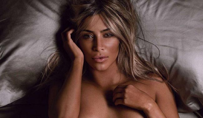 Kim-Kardashian-nude-GQ-2014-woman-of-the-year-breasts-pg