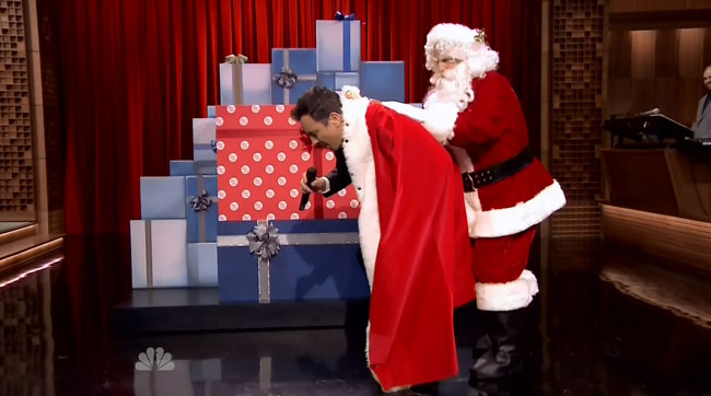 Jimmy Fallon sings James Brown song for Christmas Sweepstakes
