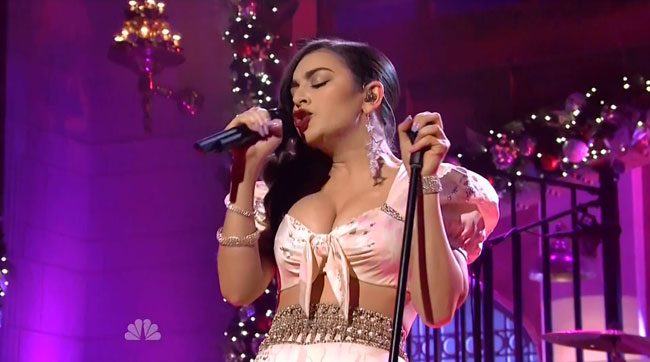SNL Charli XCX cleavage breasts