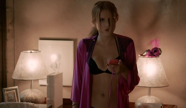 Scream TV series Bella Thorne as Nina
